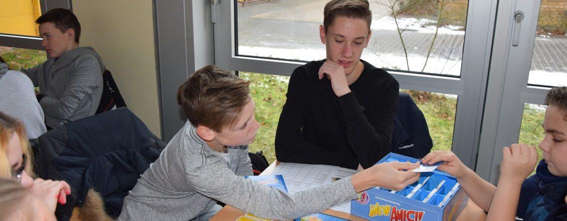 """Erste schulinterne Runde des Bundescups 2017 """"Spielend Russisch lernen"""""""